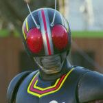 Band rertira Kamen Rider Black do ar por problemas com a dublagem.