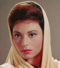 Haya Harareet (Esther)
