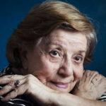 Dubladora de 91 anos, Selma Lopes, se recupera da Covid-19.