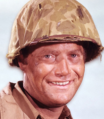 """Vic Morrow (Sargento """"Chip"""" Saunders)"""