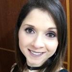Morre a dubladora Mariana Mirabetti, vítima de Covid-19.